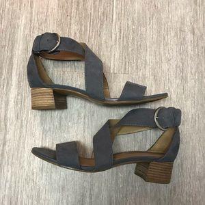 Teal Naturalizer Heels Size 8.5